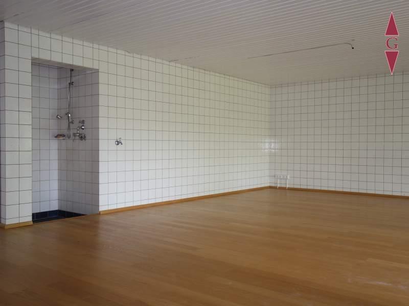 1-451 Pool Raum