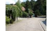 1-451 Vorgarten mit Straße