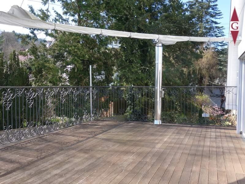 1-461 Balkon mit Sonnensegel