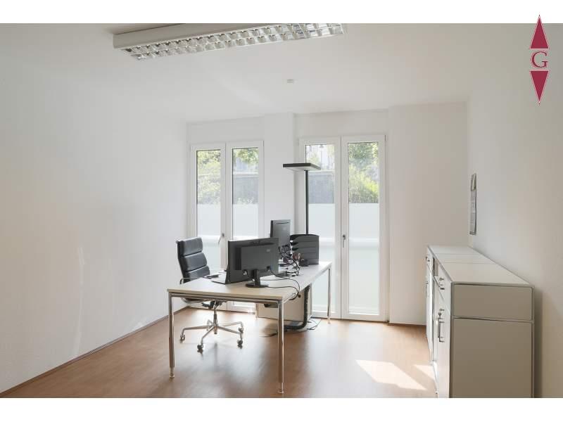 1-485 Bürohaus Innenansicht_3