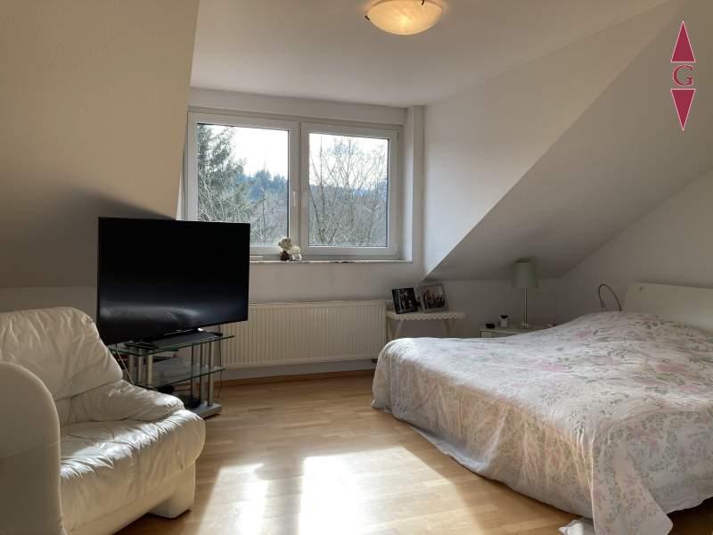 1-528 Schlafzimmer DG