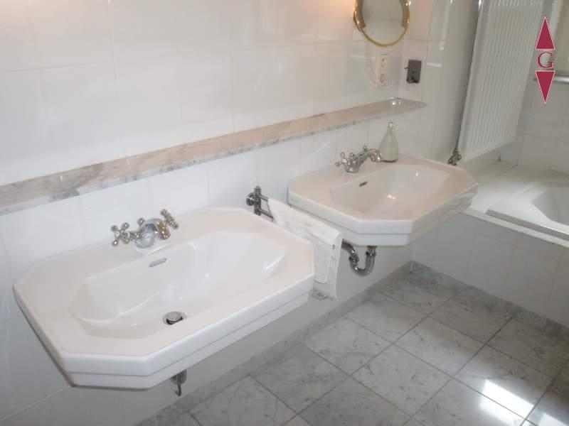 1-423 Bad Waschbecken